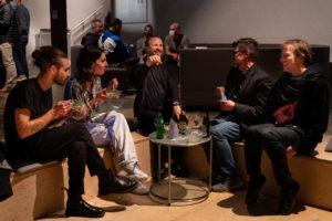 """Un échange entre les chorégraphes de la soirée """"Les imprévisibles"""" au TROIS-CL (photo: Marco Pavone)"""